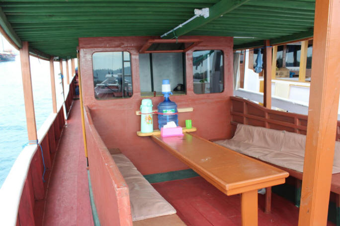 Private boat cabin with air conditioned - terrace