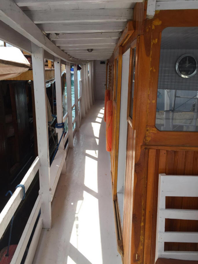 Private boat standard cabin- Deck site