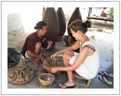 Proces of pottery maker, Sasak tribe tour